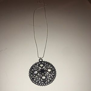 Jewelry - 925 silver chain with Round medallion